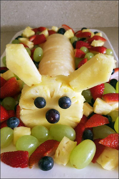 easter_bunny_fruit_platter
